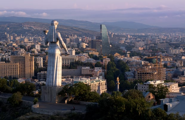 تمثال ام الجورجيين