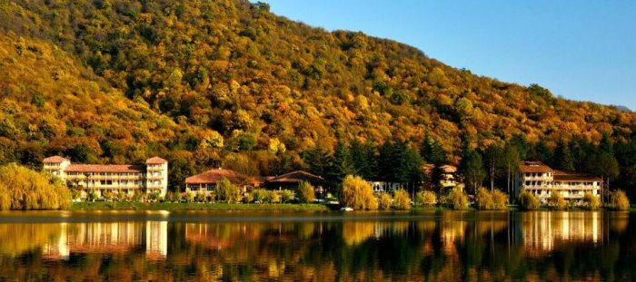 جورجيا تبليسي لوبوتا 4 ليالي عرض الخريف
